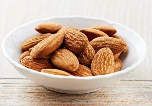 Migdalele sunt alimente care combat stresul