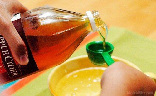 Oțet de mere în tratamente pentru petele pielii