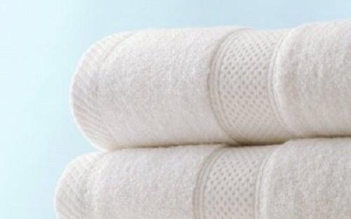 Sfaturi pentru prosoape absorbante, fără miros