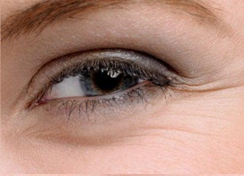 Tratamente pentru pielea din jurul ochilor