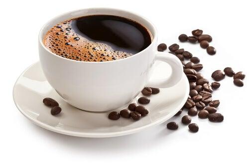 cafeaua neagră ajută la pierderea de grăsime)