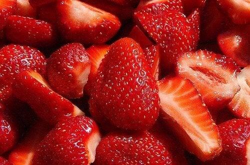 Căpșunele cu ciocolată îți satisfac pofta de dulce
