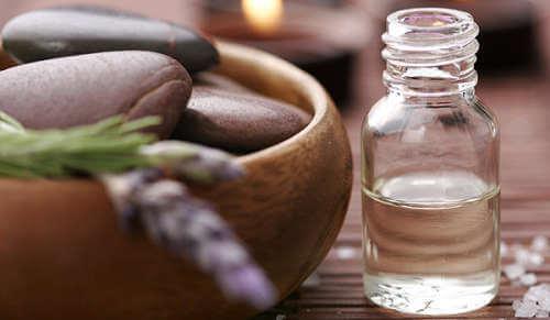 Poți să îți cureți bronhiile cu ulei de santal