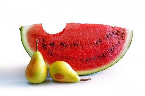 Fructe pentru ficat pepene roșu și pere