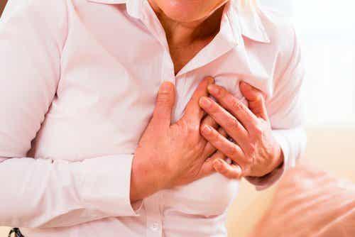 Infarctul miocardic la femei și simptomele acestuia