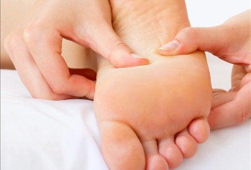 Masaj pentru bătăturile de la picioare
