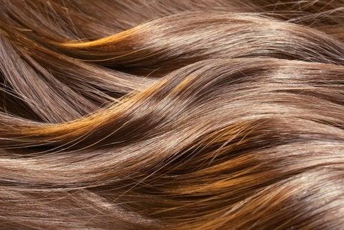 Păr sănătos și mătăsos
