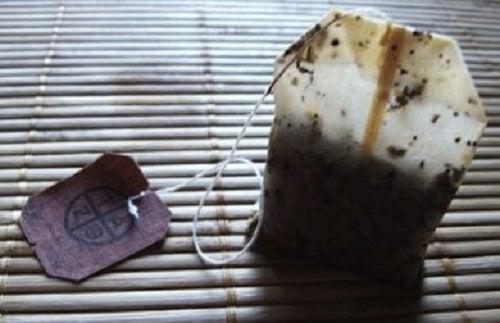 Pliculeț de ceai folosit
