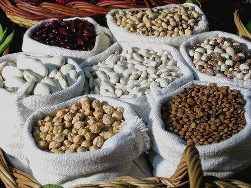 Proteinele elimină pielea lăsată