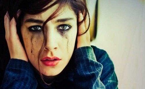 Relații toxice: daune emoționale