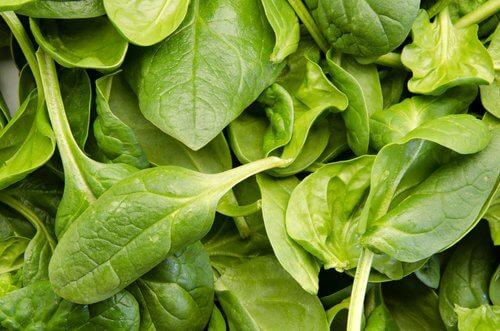 Spanacul e un aliment bun pentru tiroida ta