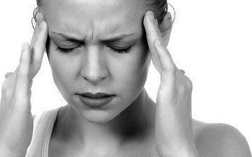 Utilizări ale unguentului Vicks VapoRub pentru dureri de cap