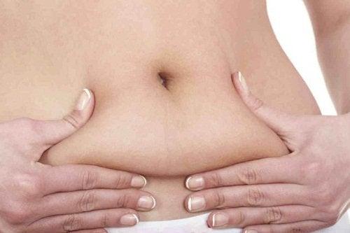 Dacă arzi 600 de calorii pe zi, vei scăpa de grăsimea abdominală