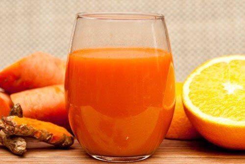 Un pahar de suc te poate ajuta să obții antioxidanții necesari