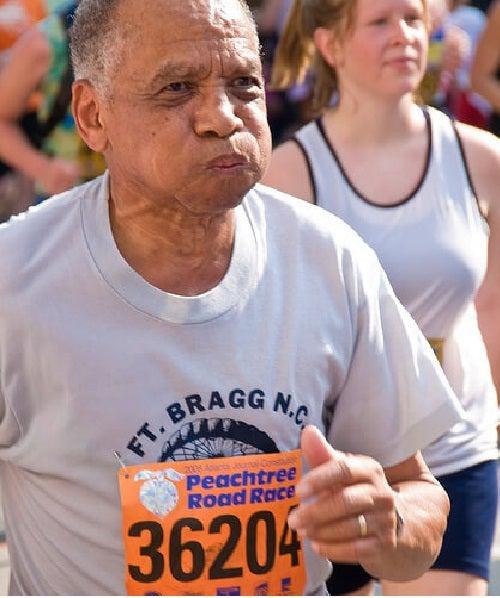 Puțin jogging te poate ajuta să tratezi artrita reumatoidă