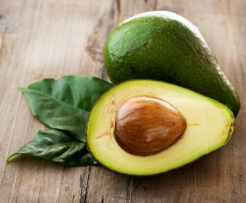 Sâmburele de avocado și fructul