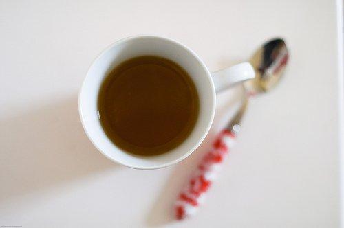 Bei apă în mod corect prin consumul de ceaiuri