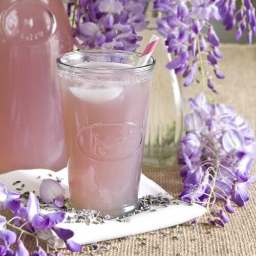 Ceaiuri medicinale pentru seară cu lavandă