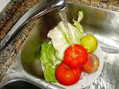 Cum să speli fructele și legumele