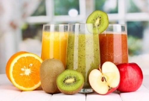 Sucurile naturale ajută la detoxifiere