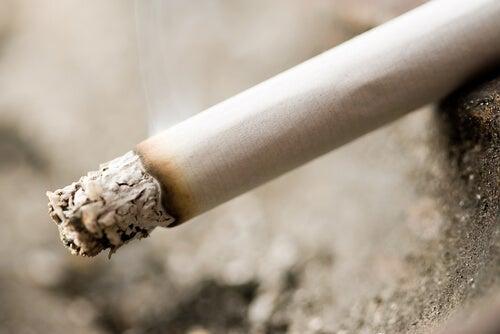 Fumul de țigară conține toxine nocive pentru copii