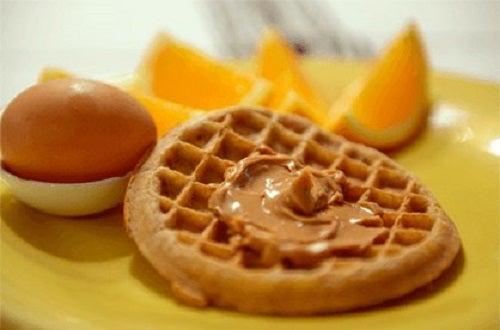 Idei pentru micul dejun cu unt de arahide