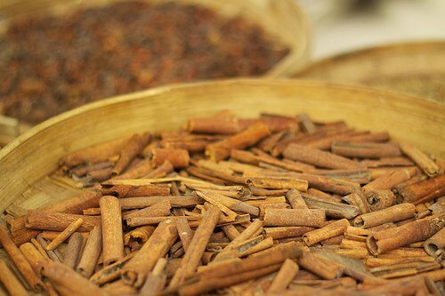 Ingrediente pentru ceaiul de scorțișoară