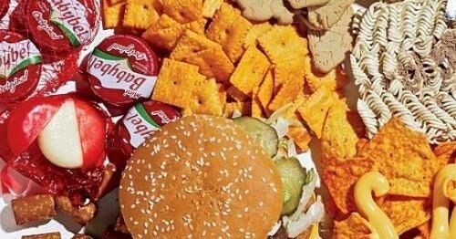 Junk food-ul conține toxine nocive pentru copii