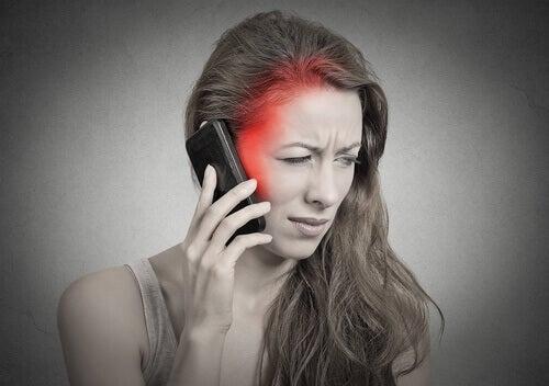 Efectele radiațiilor asupra corpului când se folosește mobilul