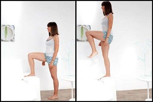Ridicările pe un picior tonifică mușchii fesieri