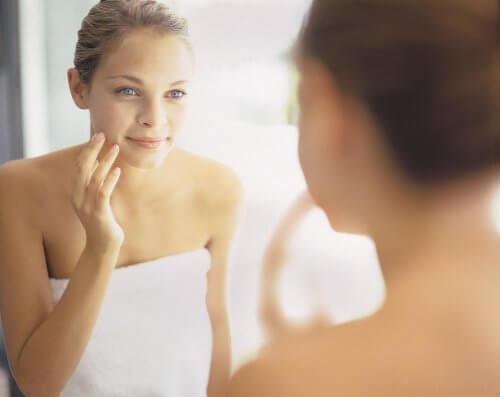 Orice femeie vrea să aibă o piele sănătoasă