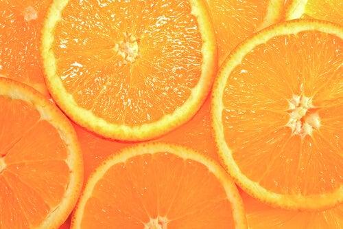 Portocale incluse în măști naturale pentru porii dilatați