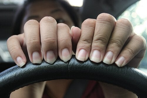 Soluții pentru unghiile exfoliate la femei