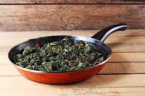 Spanacul este unul dintre acele alimente care nu trebuie reîncălzite