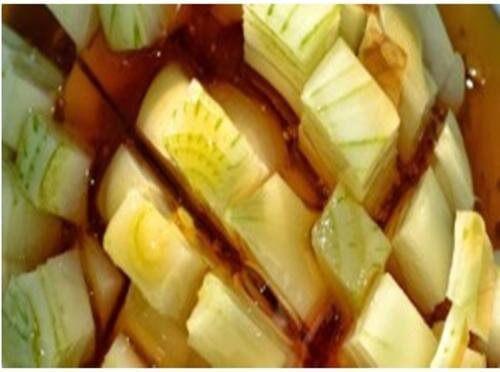 Tratează tusea cu miere și ceapă