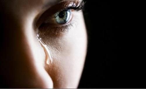 Tristețea este o emoție negativă