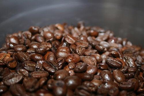 Utilizările și beneficiile cafelei pentru frumusețe