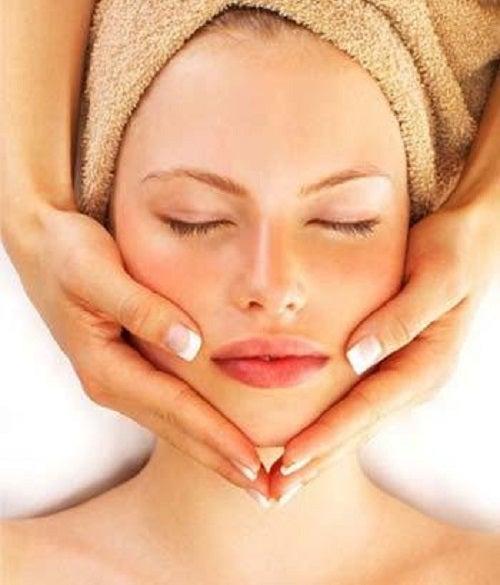 Trucuri pentru a reduce bărbia dublă prin masaj