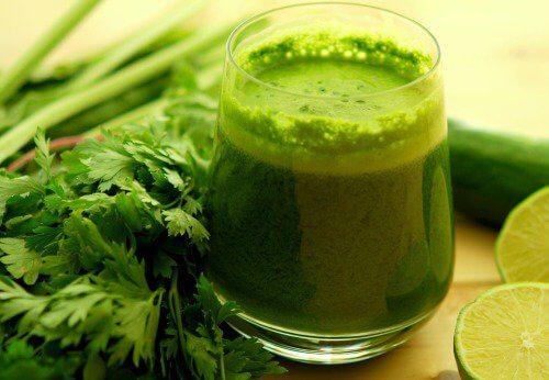 Băuturi pentru a reduce colesterolul rău cu frunze verzi