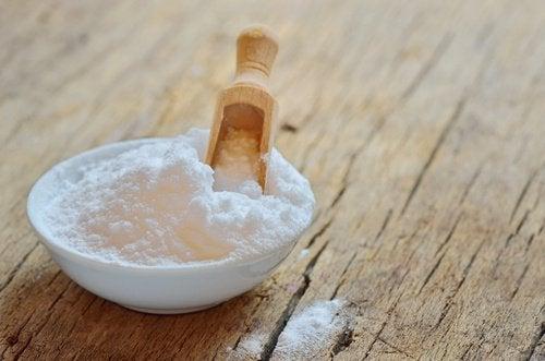 Bicarbonat de sodiu pentru căpușe