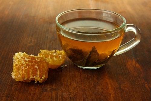 Ceai cu miere și oțet