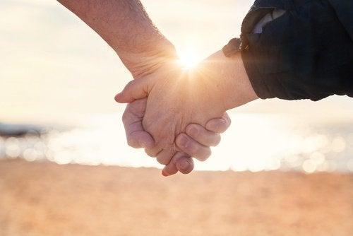 Cuplu fericit: 10 obiceiuri sănătoase