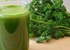 Scăpați de toxinele din rinichi cu smoothie verde