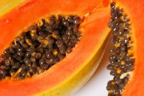 Fructul de papaya conține carotenoide