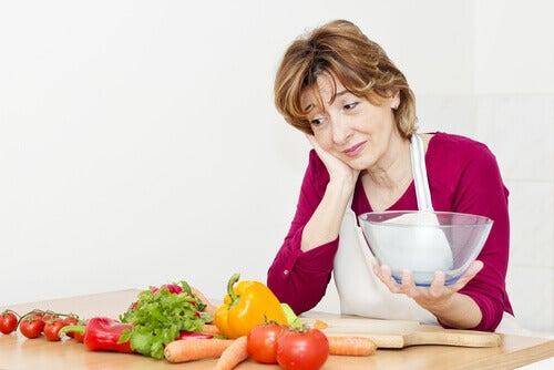Mâncați mai multe legume verzi la menopauză