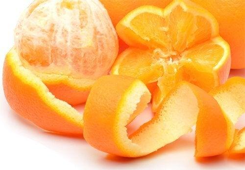 Metode naturale de a scăpa de furnici precum coaja de portocală