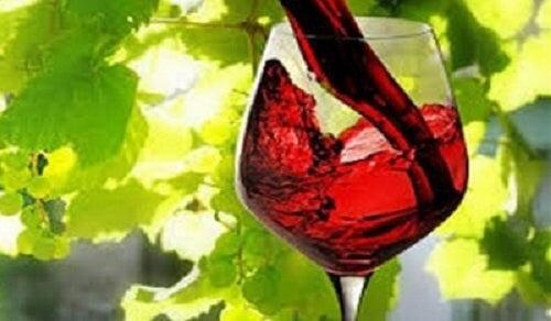 Pahar cu vin roșu