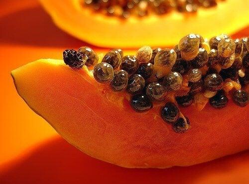 Semințele de papaya au numeroase proprietăți benefice