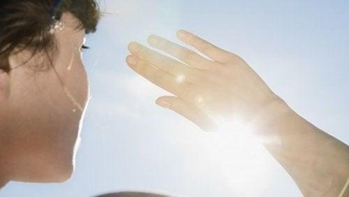 Soarele produce pielea flască