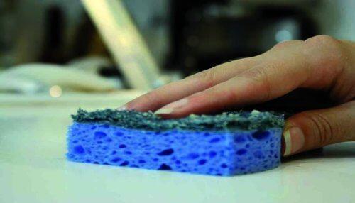 Moduri de a folosi apa oxigenată pentru a curăța suprafețele